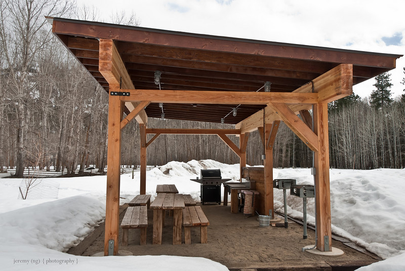Image of gas grill at rolling huts